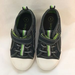 CAT & JACK toddler boy size 8 shoes (2-3yrs) EUC